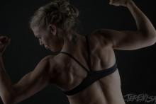 blog title 5 reasons women should not lift weights